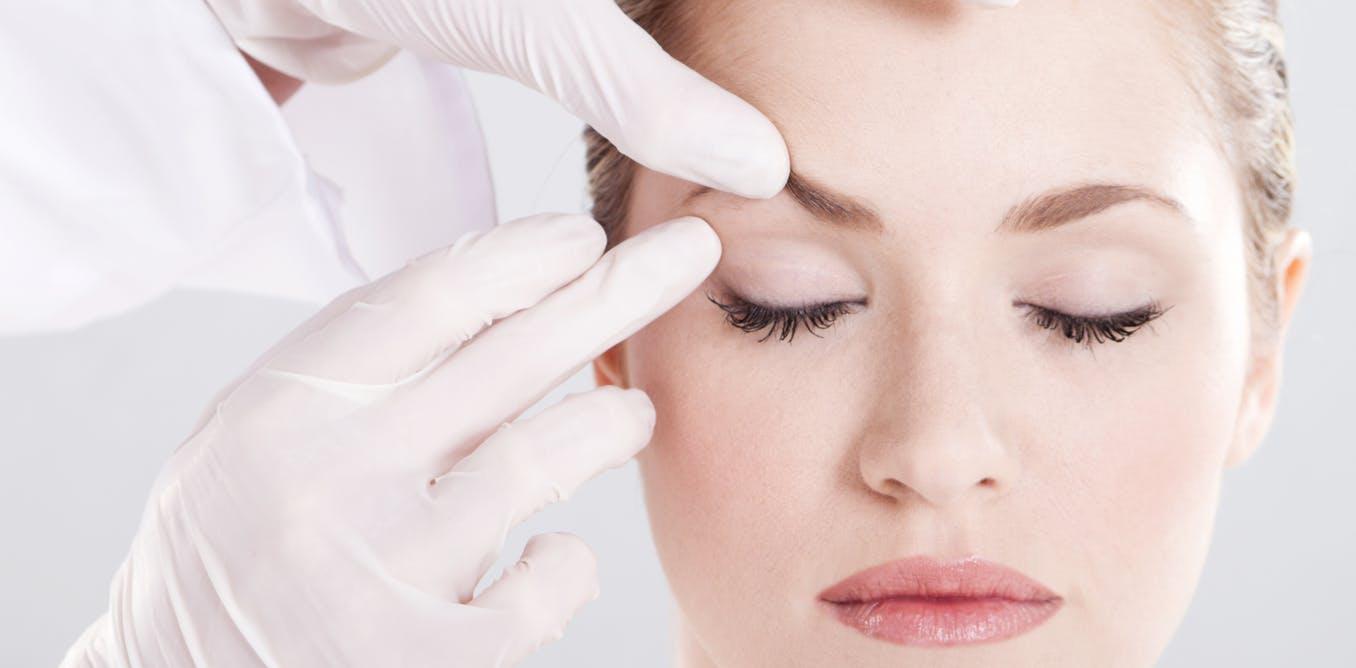 Mac Cosmetics Lighten Your Eyebrows Every Day